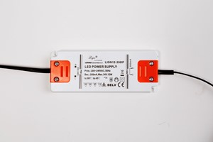 alimentation---driver---prises-built-in-led-connection-box-12v-dc